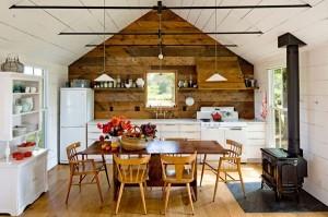 Современная кухня в деревенском стиле